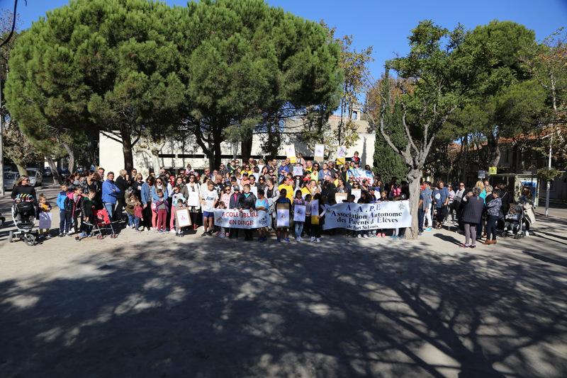 Rassemblement contre la suppression des postes de secrétaires
